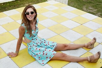 shoes summer outfits blogger the blonde salad sunglasses flamingo