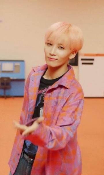 shirt pink and orange