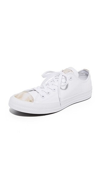 light sneakers gold white shoes
