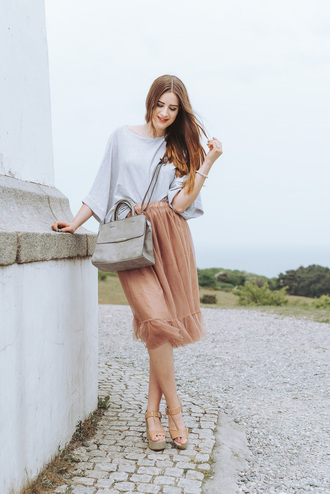 andy sparkles blogger skirt shoes bag wedge sandals sandals grey bag summer outfits