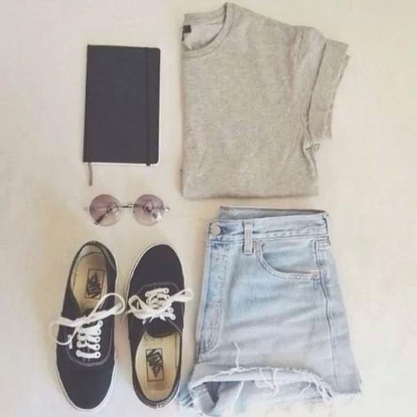 shorts t-shirt sunglasses