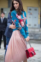 skirt,tumblr,midi skirt,pink skirt,pleated,pleated skirt,bag,red bag,suede,suede bag,chain bag,gucci,gucci bag,dionysus,sweater,blue sweater,floral,floral sweater