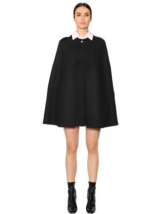 cape wool white black top