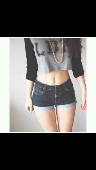 black shirt grey shirt jeans short highwaisted