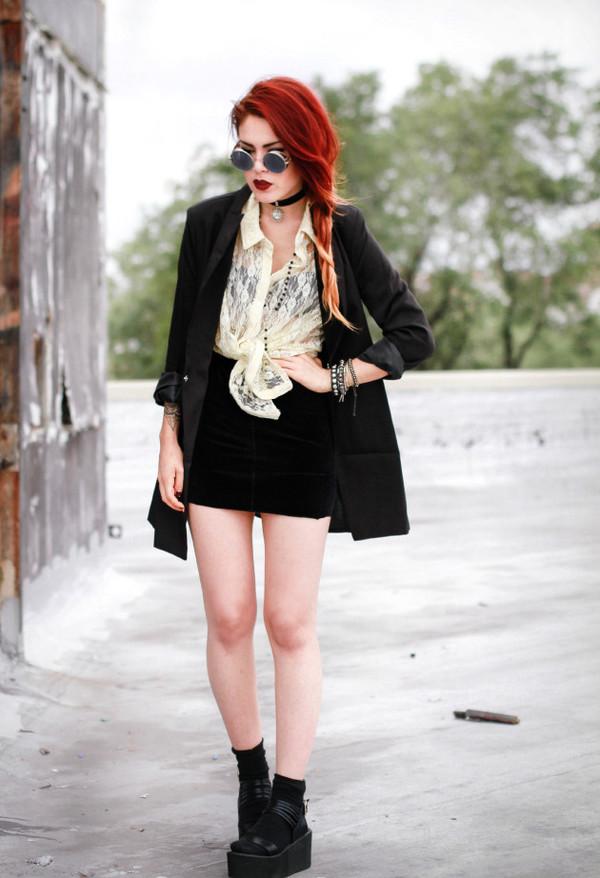 le happy blogger blouse jacket shoes sunglasses