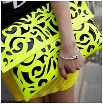 bag fluo yellow ethnic big purse holidays summer flowered shorts cute modern stylish accessory girly