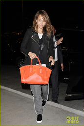coat,black,orange,bag,orange dress,jessica alba,pants