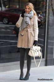 coat,gossip girl,serena van der woodsen,blake lively,scarf,grey,beige,elegant,designer