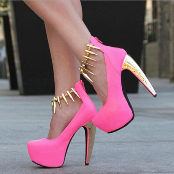 Shoes: pink, gold, black, summer, high heels, heels, vogue, chanel ...