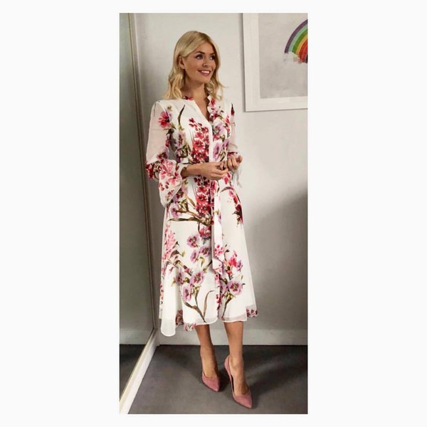dress floral prints dress blossom pink suede pumps holly willoughby