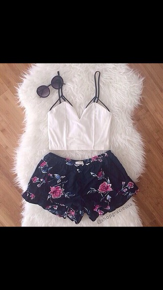 shorts hippie crop tops white glasses lace