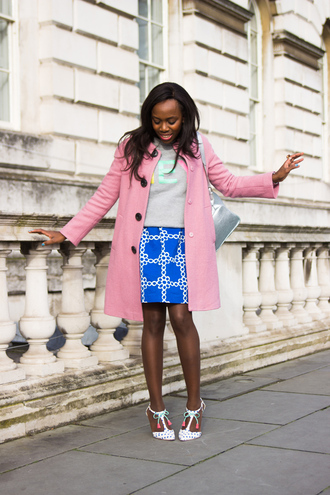 i want you to know blogger blue skirt grey sweater pink coat