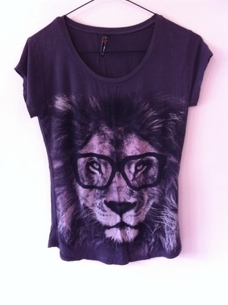 t-shirt print lion lion shirt lion t-shirt geek geek chic old school grey jersey glasses swag fur black blouse leo grey t shirt v neck