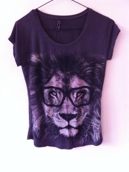 t-shirt black jersey swag print lion lion shirt lion t-shirt geek geek chic old school grey glasses fur eleven paris