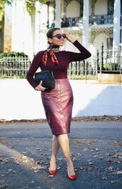 mysmallwardrobe,blogger,skirt,scarf,sunglasses,jewels,shoes,bag,pumps,leather skirt,button up skirt,red leather skirt,clutch,fall outfits