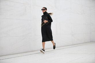 fashion vibe blogger sunglasses bag sweater dress