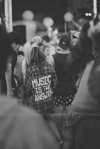 top music black flannel shirt music festival tonight alive