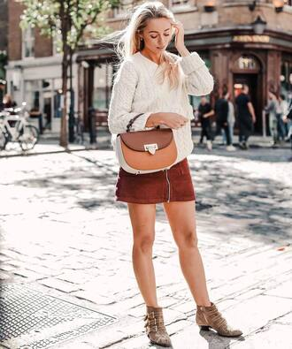 skirt white sweater tumblr mini skirt zip zipped skirt boots ankle boots sweater bag fall outfits