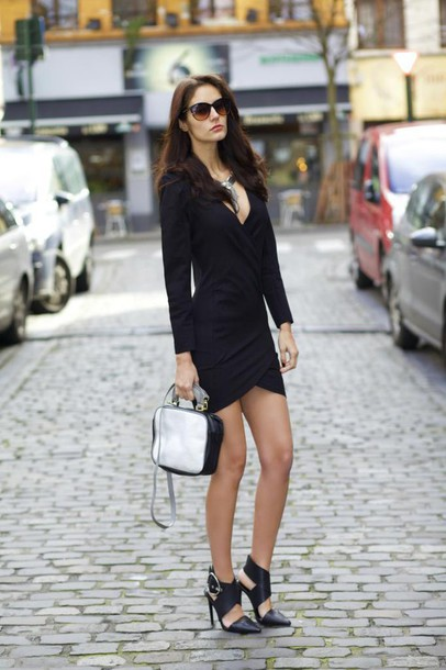 from brussels with love blogger bodycon dress party dress v neck dress sexy dress black heels black dress