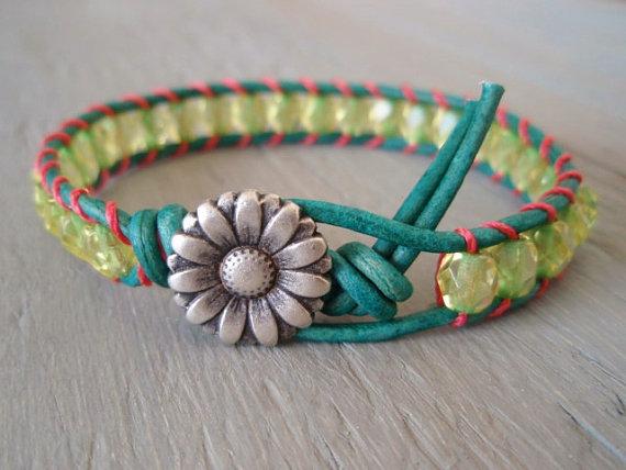 Lime green 'key west' leather wrap bracelet par slashknots sur etsy