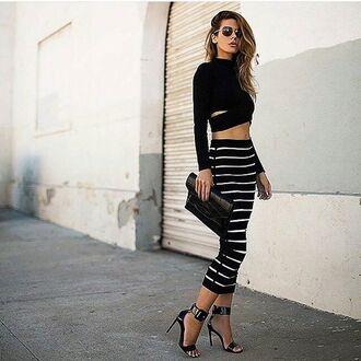 skirt black & white skirt black clutch leather clutch gold black & white stripped skirt clutch black and golden heels classy