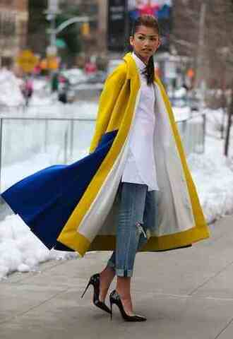 yellow trench coat zendaya classy