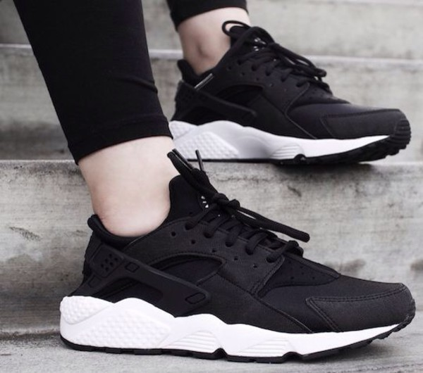 Nike Air Huarache OG Triple Black White Women Girls 634835