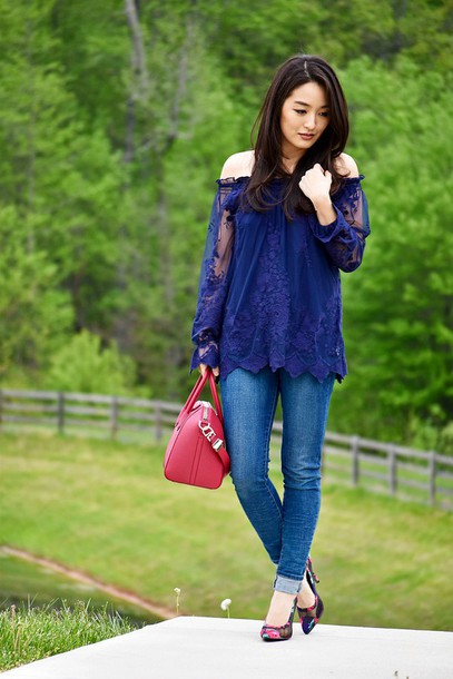 sensible stylista blogger bag shoes off the shoulder blue top long sleeves lace top skinny jeans red bag stilettos