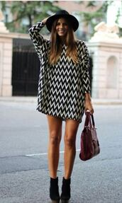 dress,monochrome,zig zag print,cute outfits,simple dress,shift dress,fedora,wedges,bag,spring,spring outfits,black,white,tunic dress,long sleeve dress,hat,chevron