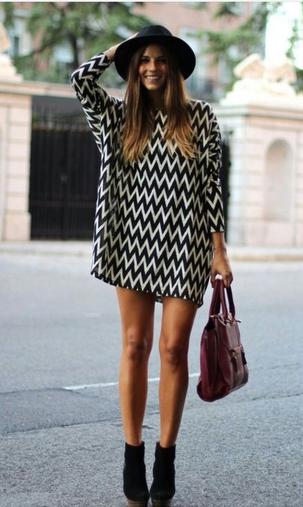 dress monochrome zig zag print cute outfits simple dress shift dress fedora wedges bag spring spring outfits black white tunic dress long sleeve dress hat chevron