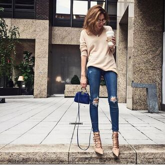 jeans tumblr sweater beige sweater blue jeans denim ripped jeans bag mini bag blue bag pumps high heels fall outfits