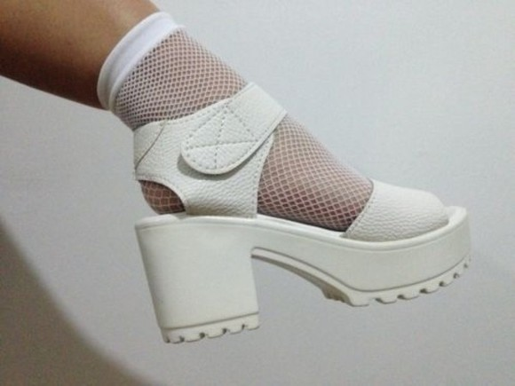 sandales shoes white vintage high heels socks leather tumblr whiteshoes velcroplatformheels velcroplatforms 90splatforms 90s sandals platform mesh wedge leagther