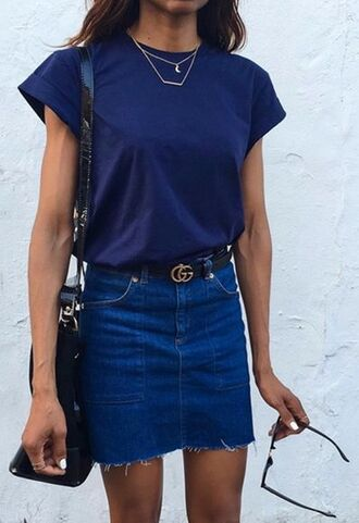 skirt navy frayed denim denim skirt denim gucci belt gucci logo belt blue t shirt spring outfits