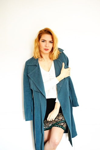 estelle blog mode blogger coat blue coat white top black skirt mini skirt