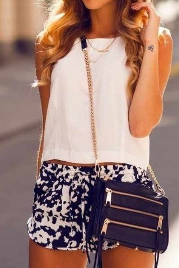 shorts blue white baggy clothes bag shirt jewels summer pattern love High waisted shorts outfit top white top summer outfits
