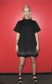 dress,iggy azalea,sandals,mini dress,black dress,black