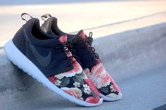 shoes nike flowers black nike roshe run flower roshe runs floral