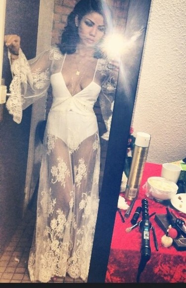 white dress little black dress bodycon simple jhene aiko coachella bodysuit white bodycon dress singer lace embroidered deep v neck dress plunge v neck gold, ring, versace, drake, migos, diamonds, bling, nicki minaj, drake , crop top , white
