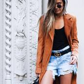 coat,suede coat,rust,gucci belt,tumblr,suede,top,black top,gucci,belt,shorts,distressed denim shorts,denim shorts,necklace,gold necklace,sunglasses,ombre hair,logo belt,crescent pendant,jewels,jewelry,gold,gold jewelry,accessories