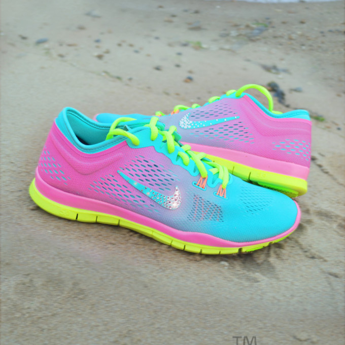 nike free run womens neon colors