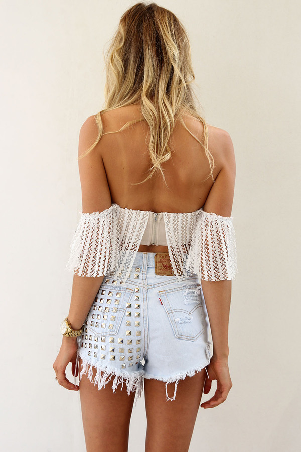 blouse white summer pretty elegant stripes hair wow shorts sweater many tags bling hipster flowers