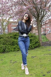 from hats to heels,blogger,jacket,sunglasses,top,jeans,shoes,hat