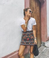 skirt,mini skirt,summer skirt,printed skirt,tribal pattern,white tee