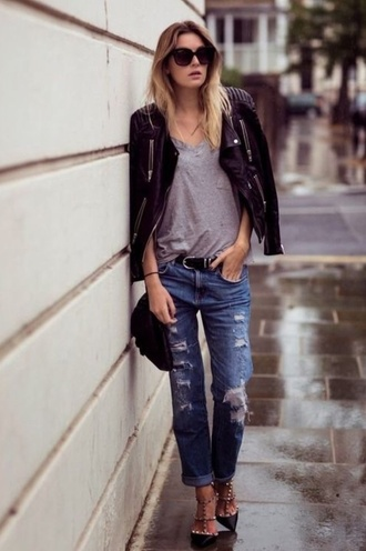 jacket cute sunnies casual sexy v neck tee sexy babe leather jacket boyfriend jeans ripped jeans biker jacket badass cuffed jeans v neck leather biker jacket summer streetstyle streetwear bff babe