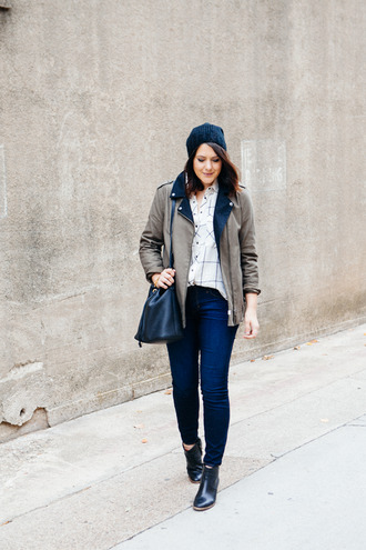 kendi everyday blogger blouse jacket bag knitted beanie chelsea boots checkered