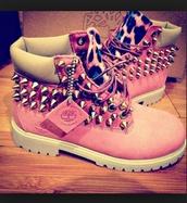 shoes,shoe. pink leopard timberlanda,pink,leopard print,timerlands,timba,roze,schoenen,panter,print,studs