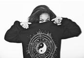 sweater,jumper,sweat,sweatshirt,hoodie,black,white,graphic print jumper,graphic print sweat,ying yang symbol,symbols,ying yang print,indie,hipster,wolf,wolftyla,tyla,jewels,ring,bracelets,watch,necklace