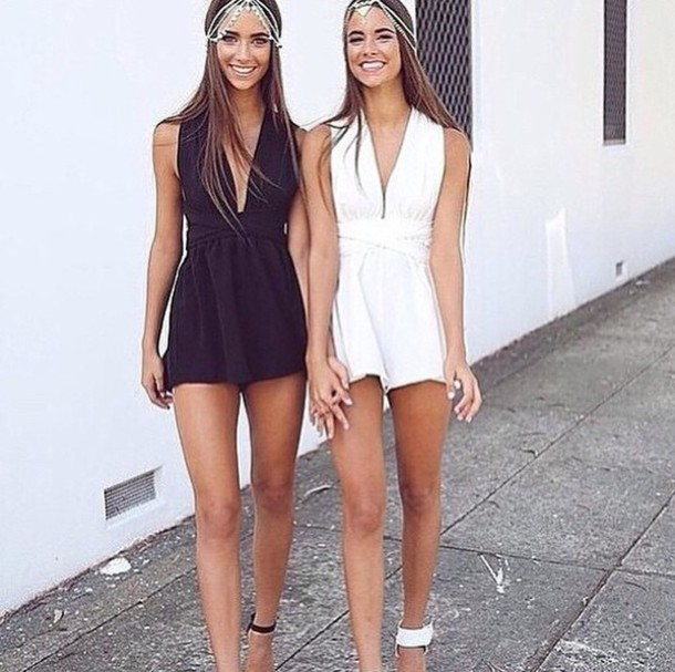 Beautiful Female Twins 75