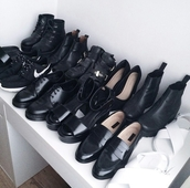 shoes,DrMartens,heels,boots,ankle boots,jellies,shoe game,grunge,on point clothing