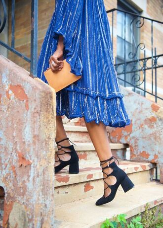 shoes block heel sandals black sandals lace up heels dress blue dress midi dress pouch camel pouch summer outfits long sleeve dress